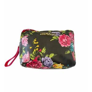 NEW Betsey Johnson Large Floral Cosmetic Case